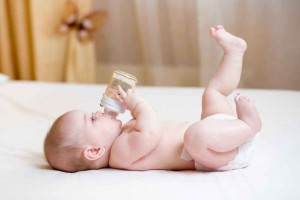 跟扁头型说再会婴儿枕头要分龄高度多少才适宜妈妈要知道