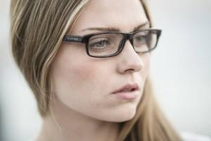 眼睛水肿怎么回事如何缓解水肿症状